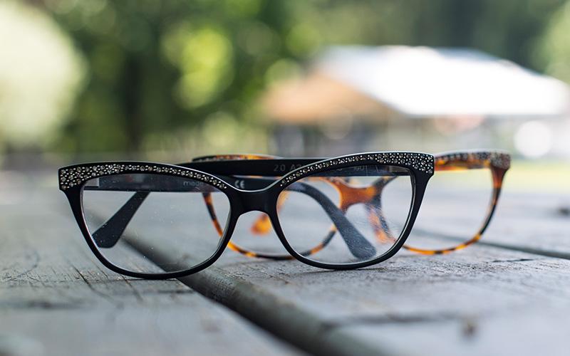 vendita scontata grande sconto per sconto del 50 Produzione montature per occhiali sole e vista a Verbania